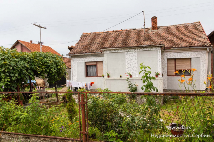 Недорогой дизайнерский дом в Лознице
