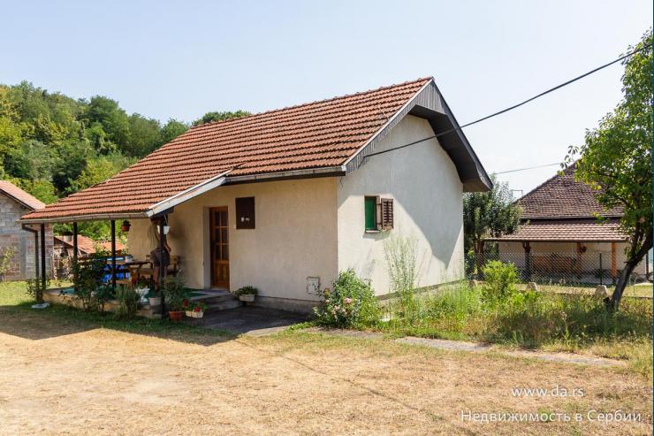 Небольшой дом в поселке